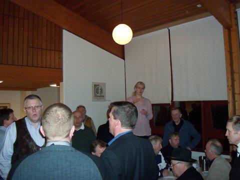 Helga stjórnar þakkarsöng